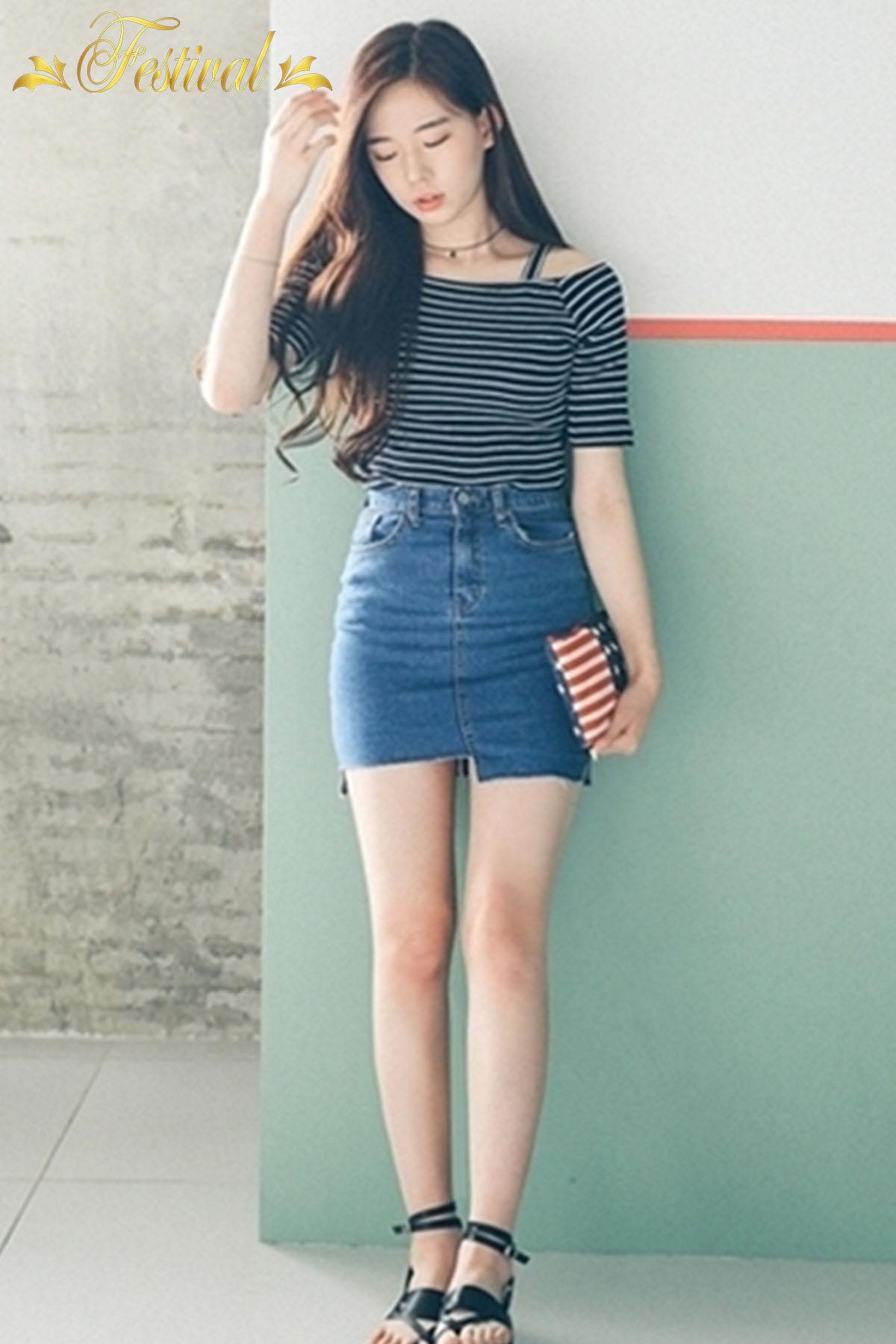 Mix áo trễ vai với chân váy jeans - Ảnh 2