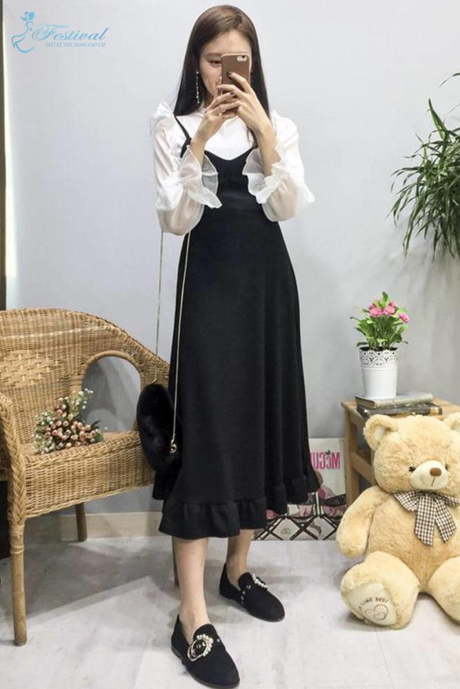Tận dụng trang phục mùa hè để mix đồ mùa thu là phong cách được nhiều fashionista xứ Hàn áp dụng.