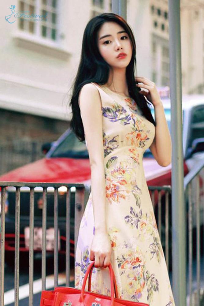 Những kiểu váy hoa khiến nàng công sở lãng mạn trong mùa thu - Ảnh 10