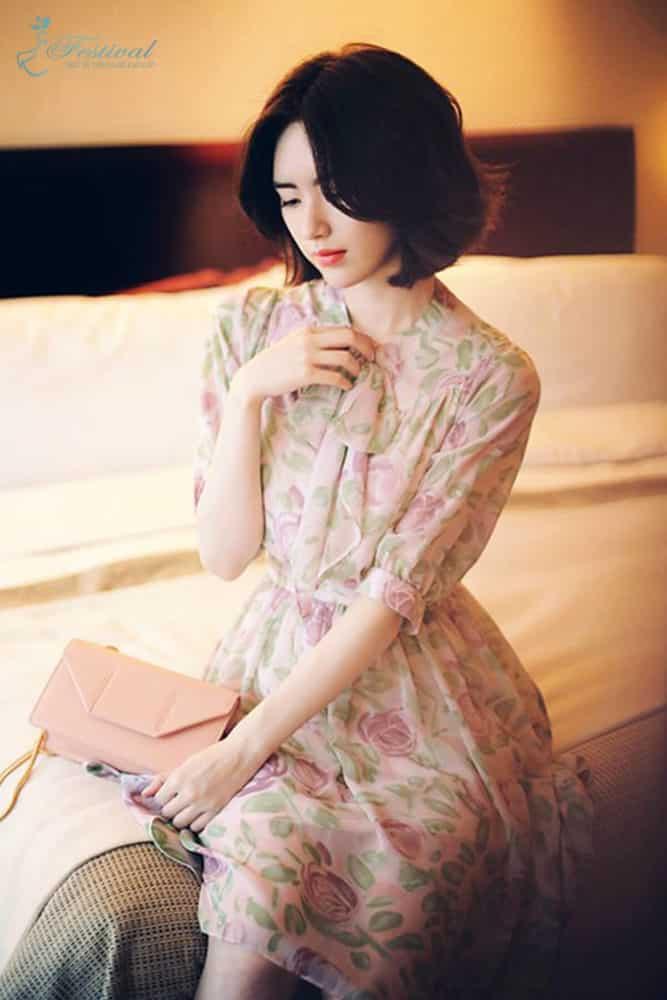 Những kiểu váy hoa khiến nàng công sở lãng mạn trong mùa thu - Ảnh 4