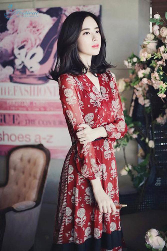 Những kiểu váy hoa khiến nàng công sở lãng mạn trong mùa thu - Ảnh 5
