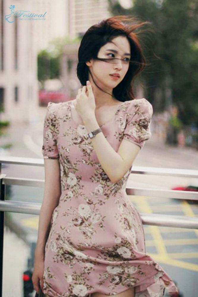 Những kiểu váy hoa khiến nàng công sở lãng mạn trong mùa thu - Ảnh 6