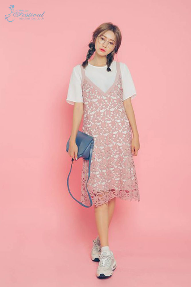 Phối đồ với váy hai dây phù hợp với mùa thu - Ảnh 6