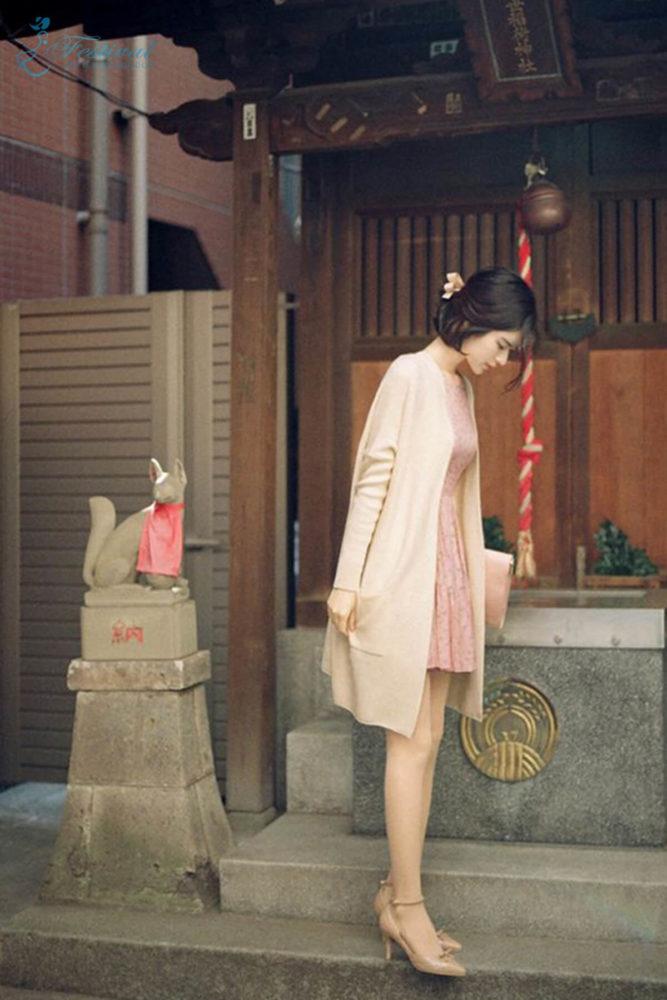Tận dụng chân váy mùa hè để phối đồ mùa thu - Ảnh 6
