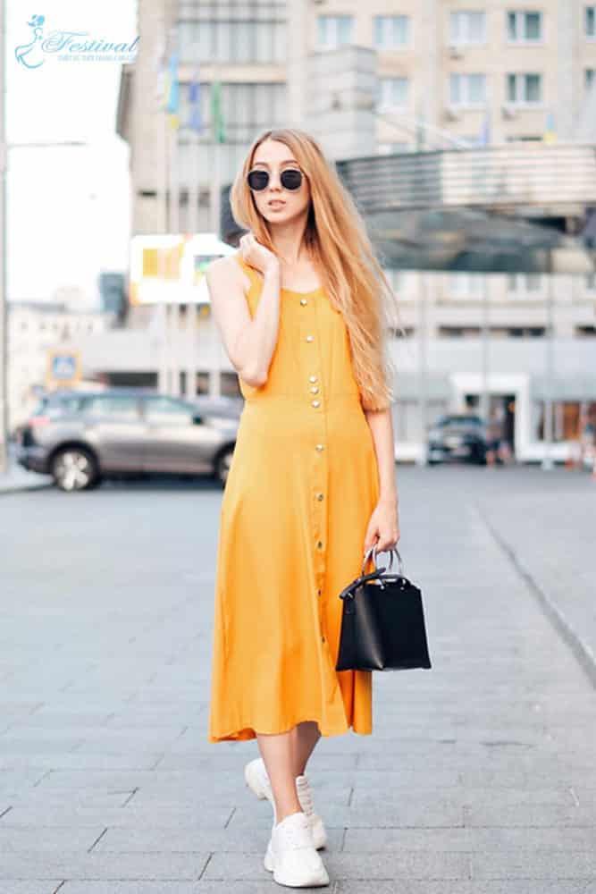 Trang phục mùa thu: Sắc vàng được phái nữ yêu chuộng - Ảnh 8