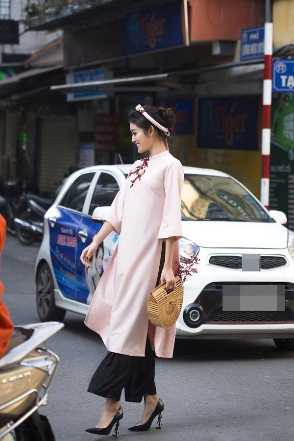 Áo dài - Ảnh 2 - 5 Kiểu váy đầm cứ tết lại cháy hàng, nàng nào cũng nên thủ sẵn vài cái