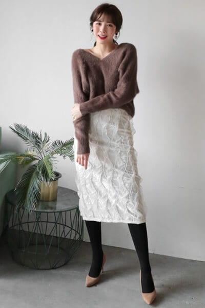 Áo len điệu + chân váy - Ảnh 4 - 3 ngày Tết, các nàng cứ mặc 6 combo này là đảm bảo xinh lung linh