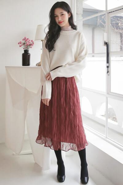 Áo len điệu + chân váy - Ảnh 5 - 3 ngày Tết, các nàng cứ mặc 6 combo này là đảm bảo xinh lung linh