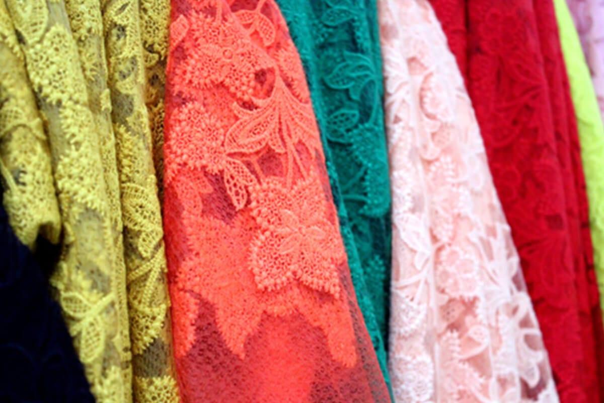 Vải ren mỏng - Khảo sát giá vải may áo dài ngày Tết Nguyên Đán