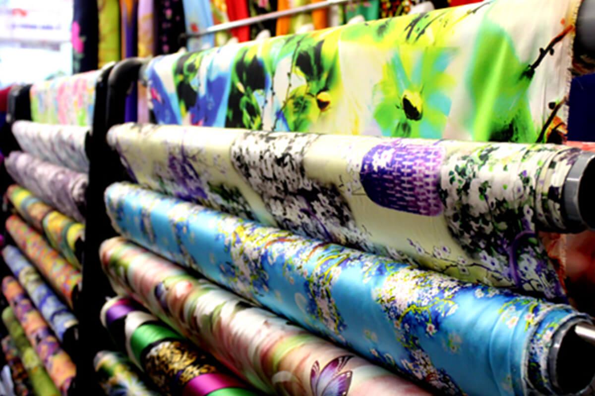 Vải lụa hàn châu - Khảo sát giá vải may áo dài ngày Tết Nguyên Đán