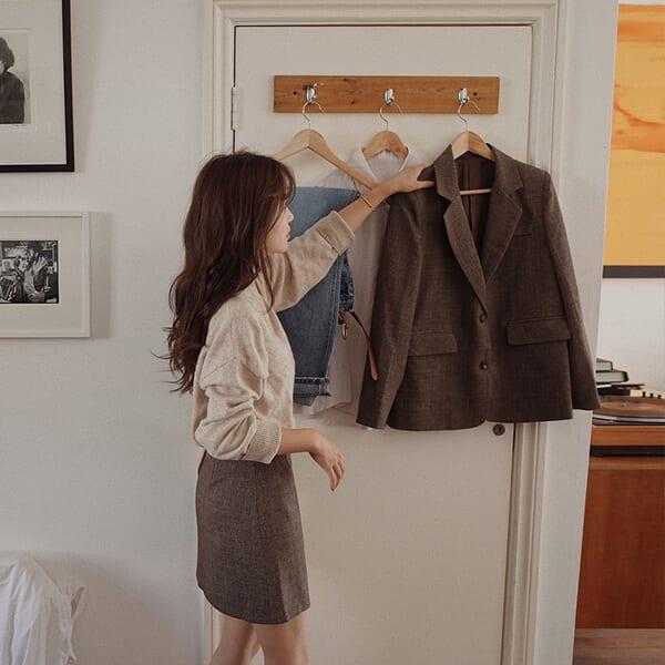 """Sắp xếp tủ đồ ngăn nắp, khoa học hơn - Nâng """"level"""" cho phong cách thời trang trong năm 2019, nàng công sở hãy thực hiện 4 điều sau"""