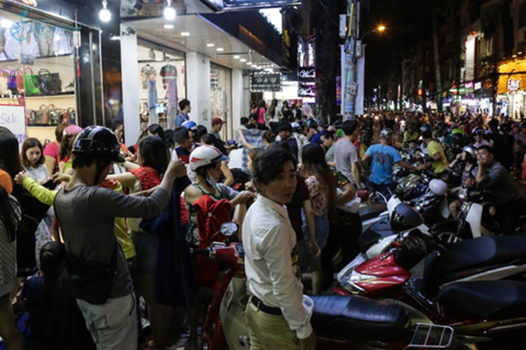 Chợ đêm Bắc Ninh - Những địa điểm sắm đồ Tết lý tưởng ở Sài Gòn