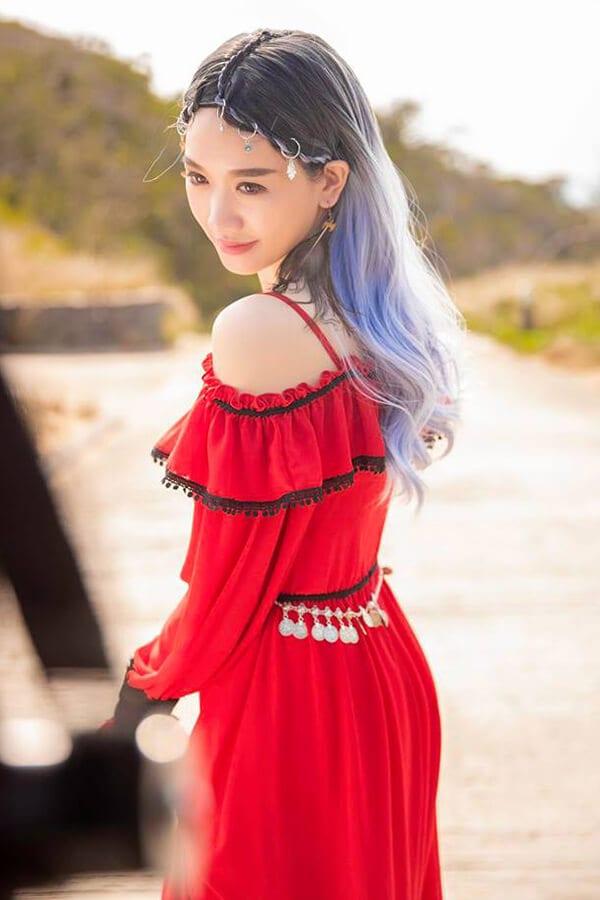 """Những kiểu thời trang ấn tượng trong MV """"Vì em vẫn"""" của Hari Won - Ảnh 6"""