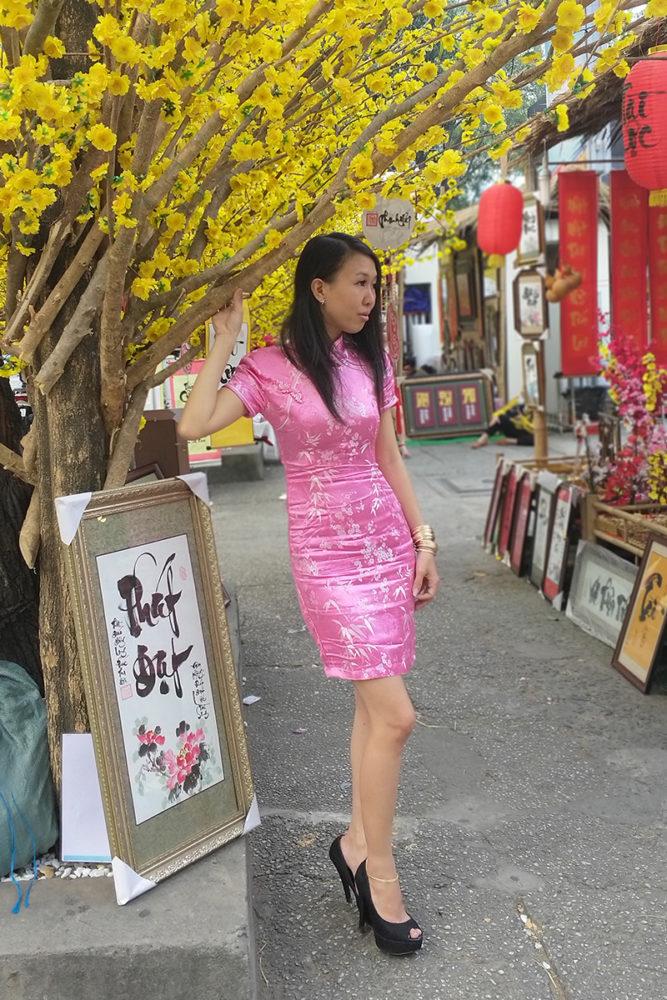 """Hồng ngọt lịm - Ảnh 3 - """"Sườn xám"""" - Sức hấp dẫn từ trang phục tôn dáng cho phái đẹp"""