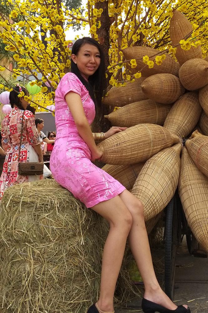 """Hồng ngọt lịm - Ảnh 5 - """"Sườn xám"""" - Sức hấp dẫn từ trang phục tôn dáng cho phái đẹp"""