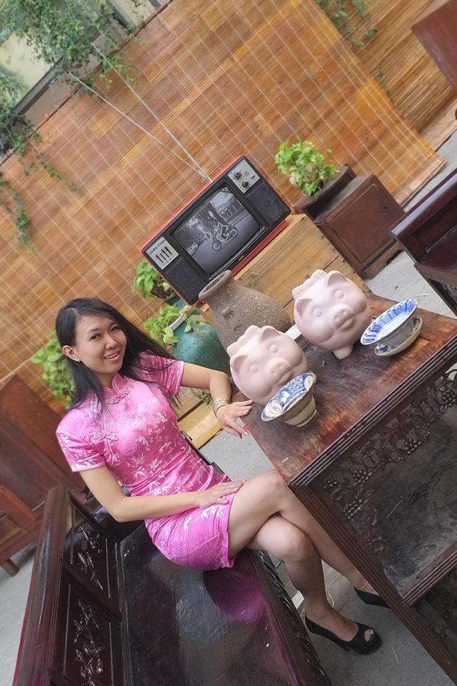 """Hồng ngọt lịm - Ảnh 7 - """"Sườn xám"""" - Sức hấp dẫn từ trang phục tôn dáng cho phái đẹp"""