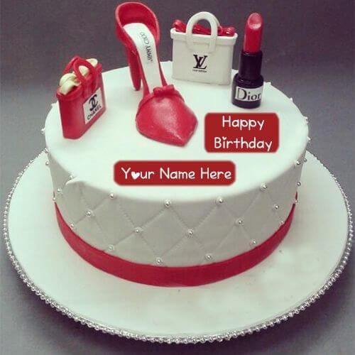 Bánh sinh nhật hình chiếc giày xinh xắn cùng với son, phấn, túi xách - Thích thú với những mẫu bánh sinh nhật của tín đồ thời trang