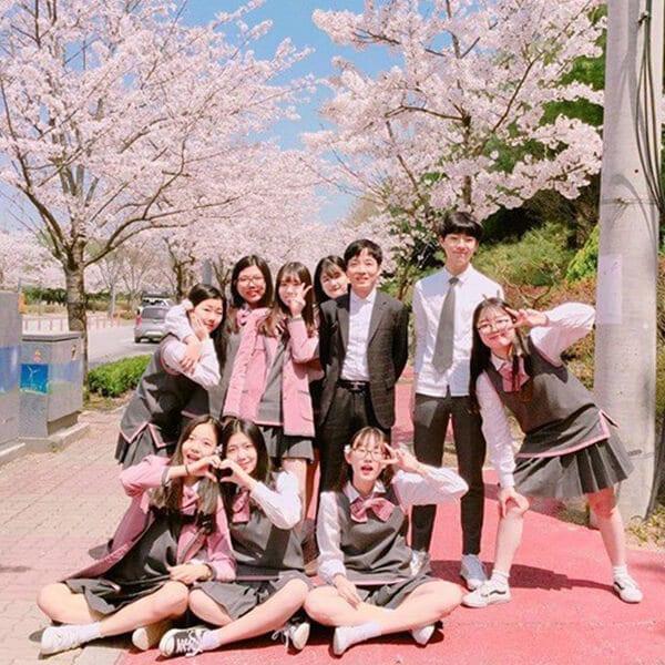 Trường Ngôn ngữ Quốc tế Chungnam - Ảnh 3 - Top 5 đồng phục học sinh Hàn Quốc sang chảnh giá đắt đỏ