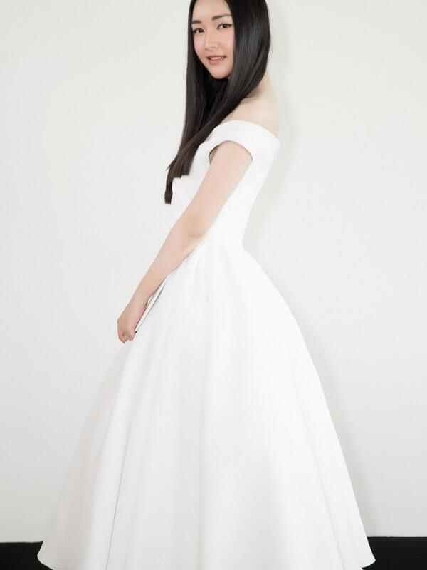 Váy tùng bồng xòe công chúa - Ảnh 6 - Đầm tua rua, váy công chúa - Hai 'vũ khí' lợi hại của sao Việt