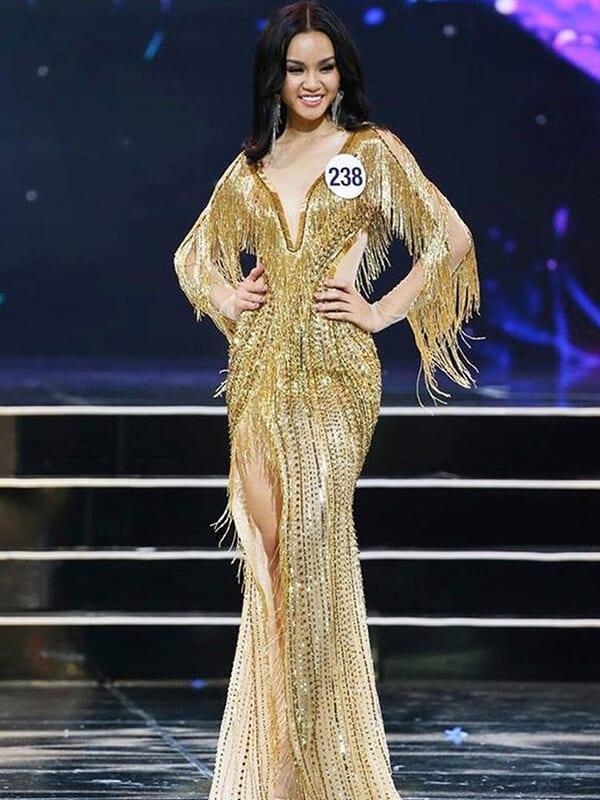 Đầm sợi tua rua - Ảnh 7 - Đầm tua rua, váy công chúa - Hai 'vũ khí' lợi hại của sao Việt