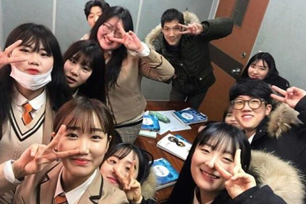 Trường trung học nghệ thuật Goyang - Ảnh 4 - Top 5 đồng phục học sinh Hàn Quốc sang chảnh giá đắt đỏ