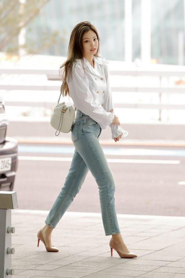 Quần jean lưng cao + Áo sơ mi + Giày cao gót cho người lùn mập - Ảnh 1