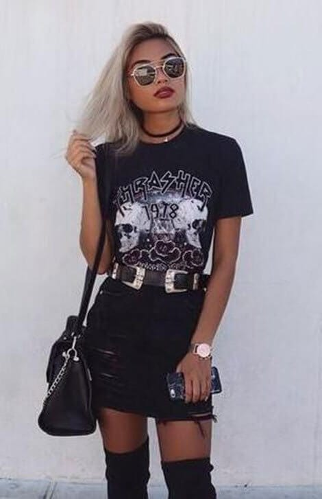 Phong cách sắc sảo - Ảnh 3 - 5 Mẹo mặc trang phục màu đen cho nữ mà bạn nên biết