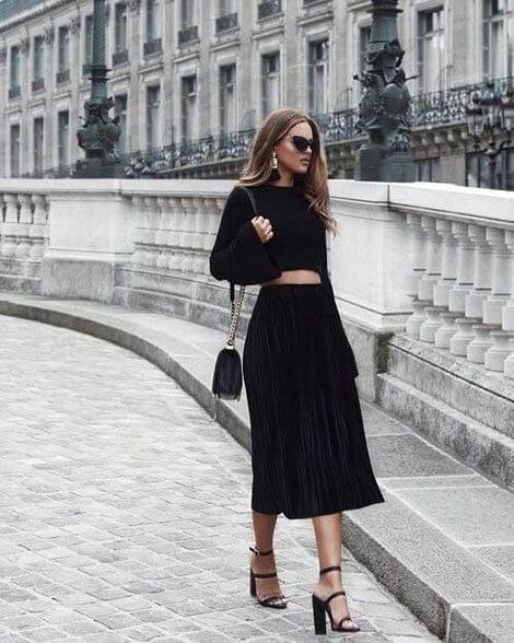 Phong cách cổ điển - Ảnh 2 - 5 Mẹo mặc trang phục màu đen cho nữ mà bạn nên biết