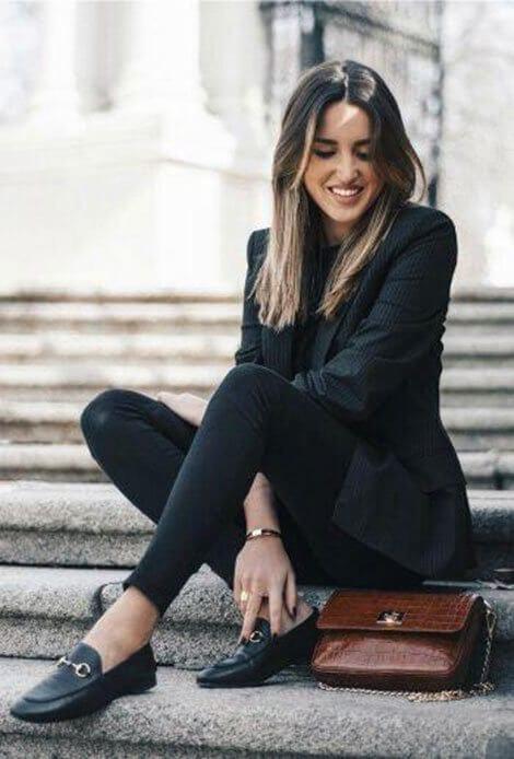 Phong cách cổ điển - Ảnh 3 - 5 Mẹo mặc trang phục màu đen cho nữ mà bạn nên biết