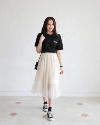Áo phông + Chân váy xếp tầng cho người lùn mập