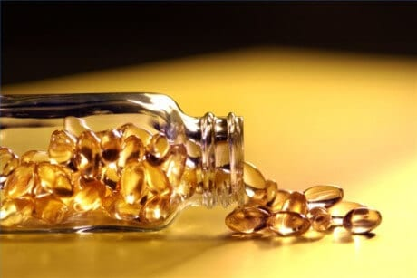 Cân nhắc bồi dưỡng Vitamin E - Những cách dưỡng da vùng mắt đúng cách từ thiên nhiên