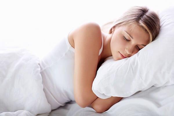 Ngủ đủ giấc - Những cách dưỡng da vùng mắt đúng cách từ thiên nhiên