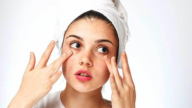 Những cách dưỡng da vùng mắt đúng cách từ thiên nhiên