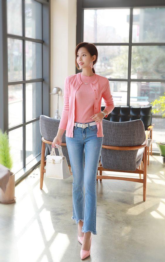 Tỏa sáng với áo len mix cùng quần jeans
