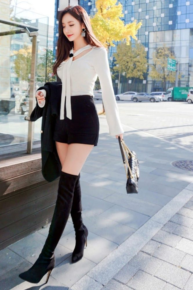 Áo kiểu tay dài thiết kế mix quần short ngắn dạo phố