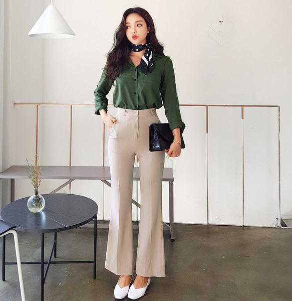 Màu trơn bóng - 36+ Kiểu áo sơ mi nữ dễ thương diện nơi công sở, đi học, đi làm...