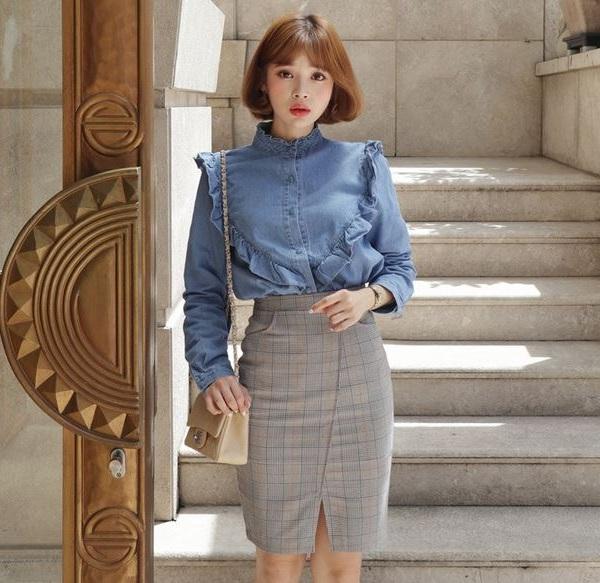 Dáng nhún bèo - 36+ Kiểu áo sơ mi nữ dễ thương diện nơi công sở, đi học, đi làm...
