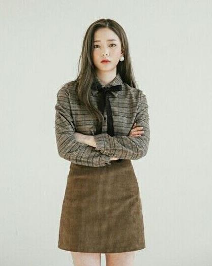 Sơ mi thắt nơ - 36+ Kiểu áo sơ mi nữ dễ thương diện nơi công sở, đi học, đi làm...