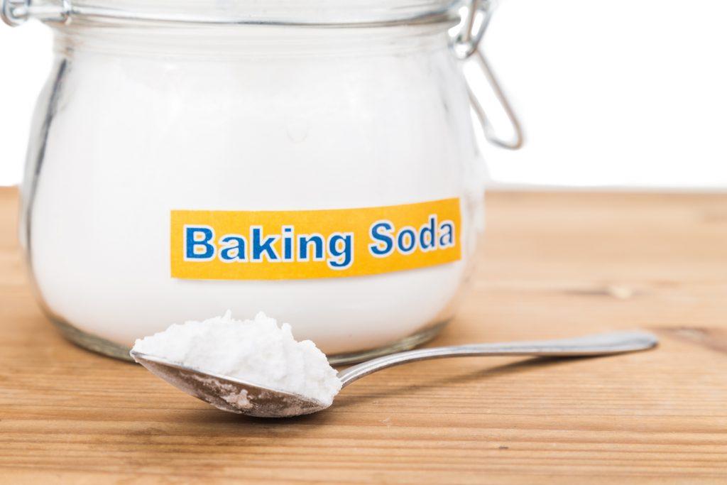 Mẹo tẩy trắng quần áo với baking soda