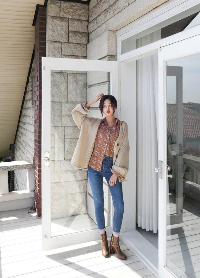 Áo cardigan + Quần jeans đi du lịch mùa đông - Ảnh 1