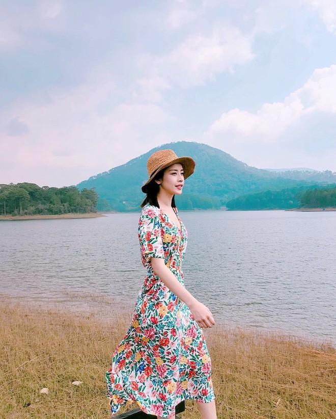 Váy hoa đi biển - Ảnh 2