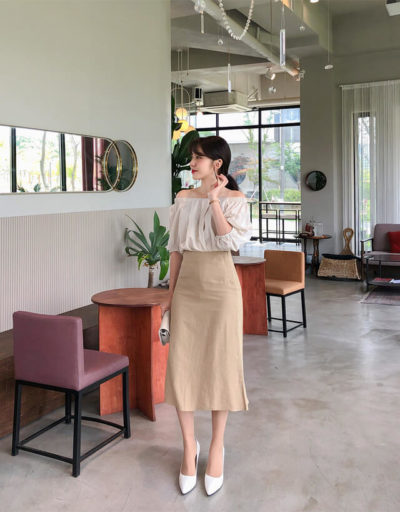 Áo trễ vai dịu dàng và chân váy midi cùng tone màu beige