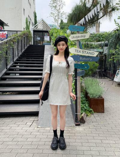 Váy chấm bi xinh xắn và nhã nhặn