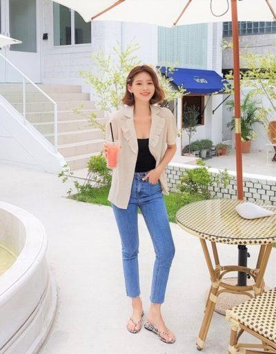 Phối áo thun + quần jeans + áo khoác cổ bèo cá tính!