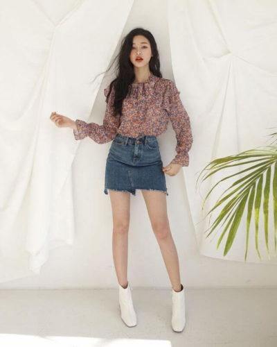 Chân váy jean và áo nhún bèo mềm mại, cứ tưởng không hợp nhưng lại hợp không tưởng luôn nàng nha!