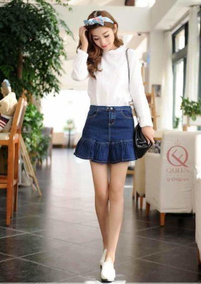 Chân váy jean đuôi cá kết hợp với áo sơ mi dài tay màu pastel nhẹ nhàng nhưng vẫn sang chảnh