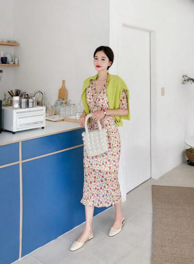 Nếu bạn là một cô nàng điệu đà, thích sự phóng khoáng, hiện đại thì những bộ đầm ôm sẽ khiến bạn trở nên lung linh hơn trong bữa tiệc
