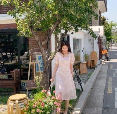 Váy trắng hoa nhỏ cổ vuông xinh lung linh