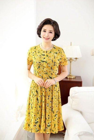 Hoặc những bộ đồ màu vàng tạo điểm nhấn