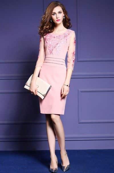 Mẫu đầm màu hồng thắt eo cực nữ tính